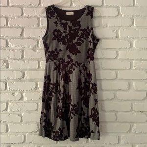 Crescent Floral Print Black/Gray Dress